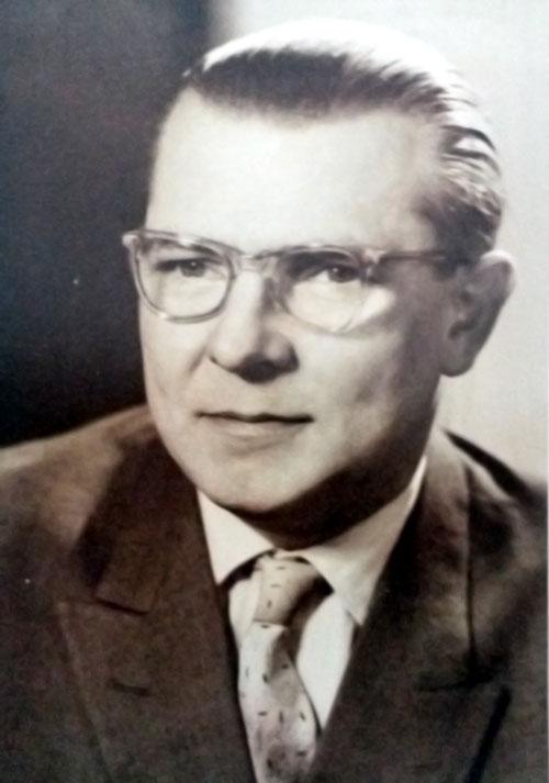 Hermann Hundt 01-HUNDT Elektrosysteme